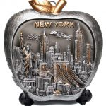 NY Skyline Apple Shaped Souvenir Plate – 6 Inch